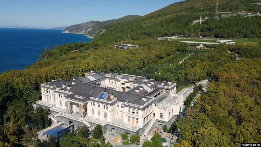 A drone photo of the palace, which sits some 18 kilometers down the coast from the popular Russian holiday town of Gelendzhik